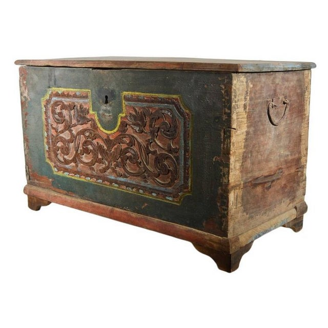 Mid 19th Century Antique Indonesian Hand-Carved and Painted Trunk with Foliage's, 19th Century For Sale - Image 5 of 9