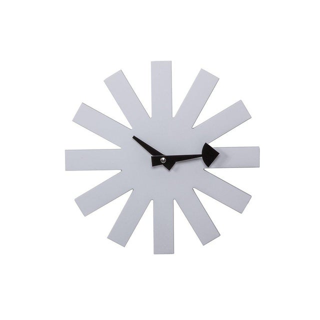 Mid-Century Modernist White Asterisk Clock For Sale In New York - Image 6 of 6