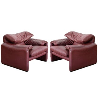 Pair Maralunga Armchairs with Ottoman by Vico Magistretti For Sale