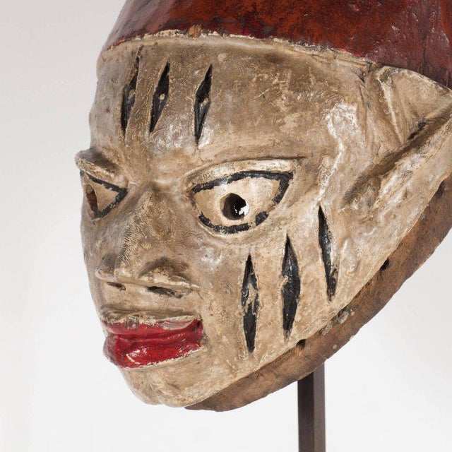 Red Painted Head Crest Mask on Mount, Probably Yoruba, Nigeria, 20th Century For Sale - Image 8 of 10
