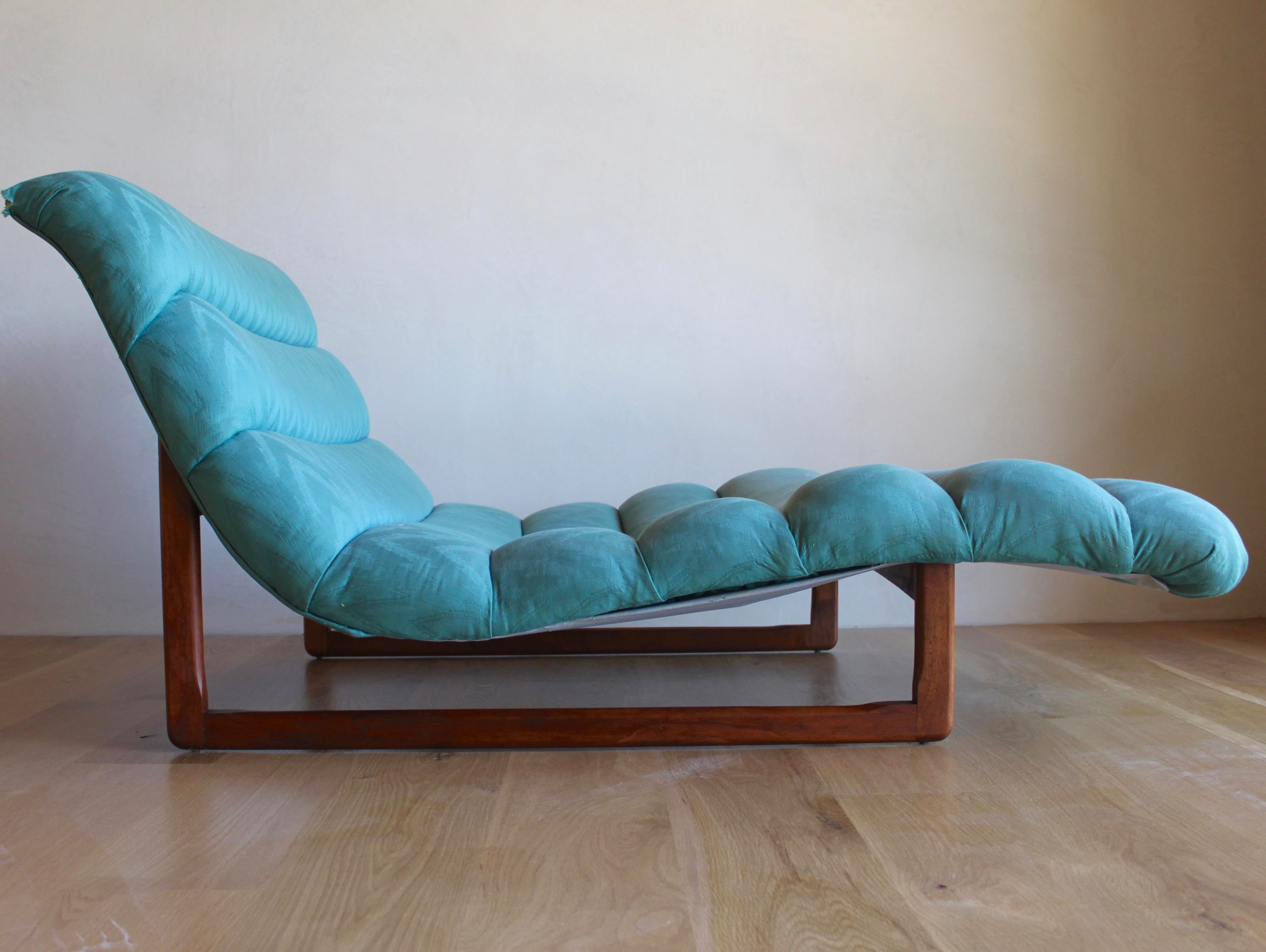 Contemporary Mid Century Adrian Pearsall Attributed Tufted Wide Sculptural Chaise  Lounge Chair For Sale