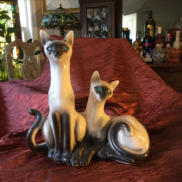It doesn't get much sweeter than this! Vintage Siamese cats lamp. From the 1950's—not many are still around and in this...