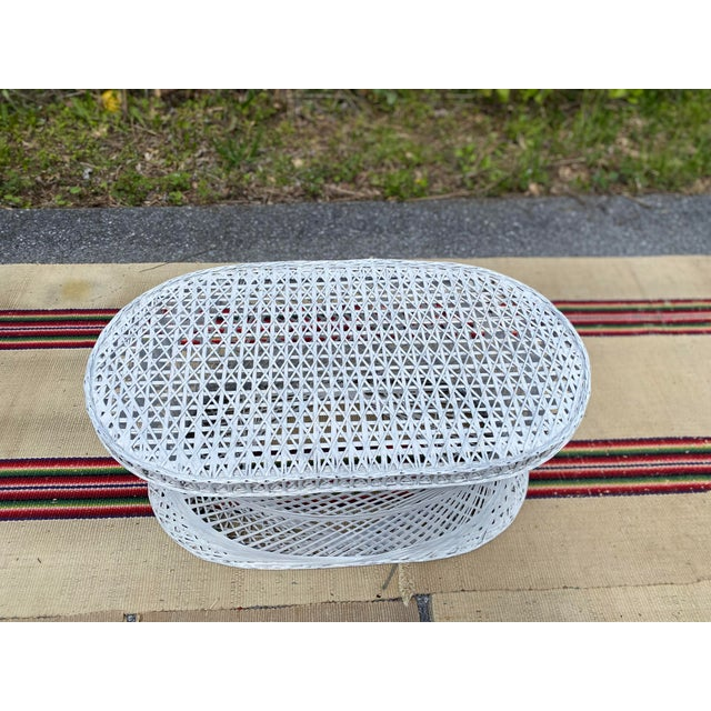 1970s Vintage Mid-Century Russell Woodard Spun Fiberglass Oval Patio Table For Sale - Image 5 of 12