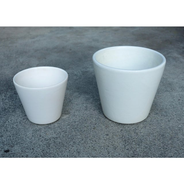 Architectural Pottery 1960's Vintage White Planter-a Pair For Sale - Image 4 of 6
