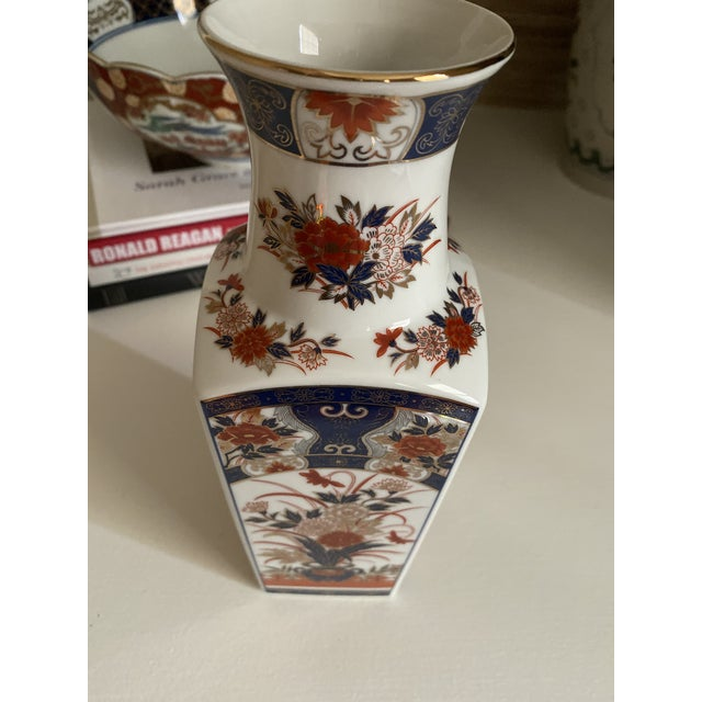 Asian Vintage Imari Vase- Navy and Red For Sale - Image 3 of 7
