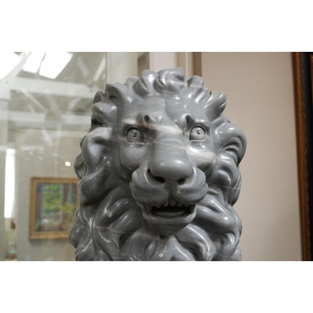 Italian Carved Marble Lions, circa 1900 For Sale - Image 4 of 7