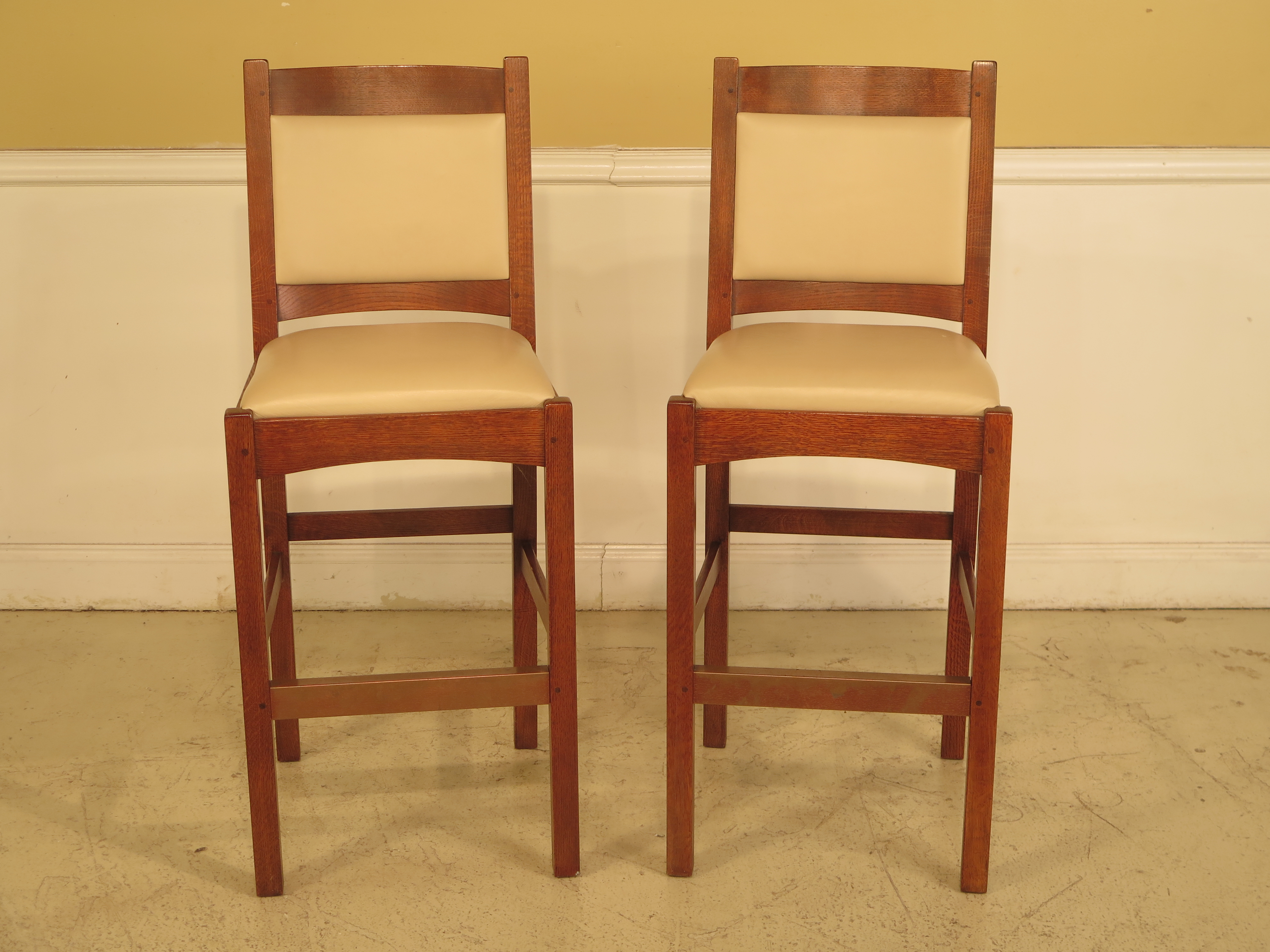 set of 4 bar stools. STICKLEY Set Of 4 Bar Stool Counter Chairs In Leather Age: C.2006 Details Stools
