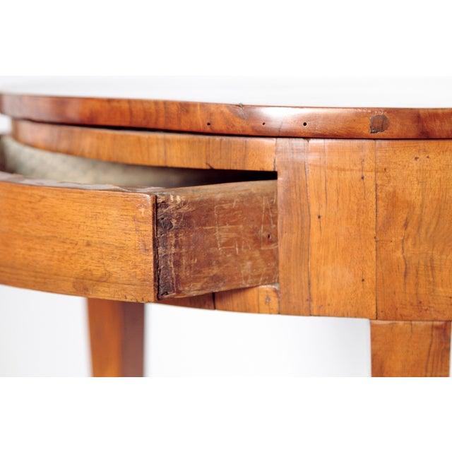 Pair of Early 19th Century Walnut Gueridons - Image 6 of 8