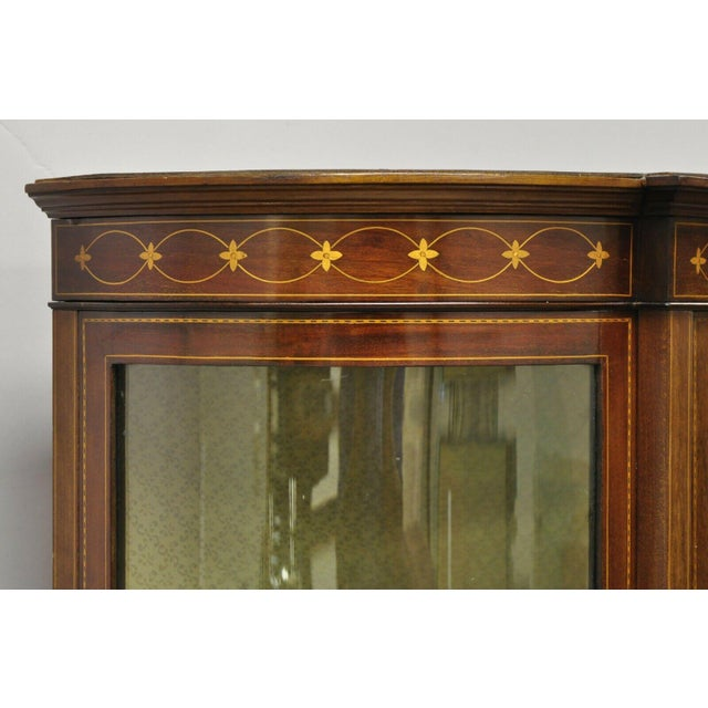 English Edwardian Satinwood Inlay Bowed Curved Glass China Display Cabinet Curio For Sale In Philadelphia - Image 6 of 13
