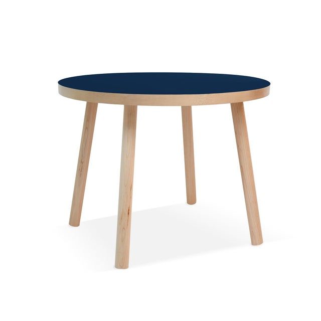 """Contemporary Poco Small Round 23.5"""" Kids Table in Maple With Deep Blue Top For Sale - Image 3 of 3"""