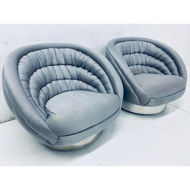 """Mid-Century Modern Pair of Vladimir Kagan """"Crescent"""" Swivel Club Chairs For Sale - Image 3 of 12"""