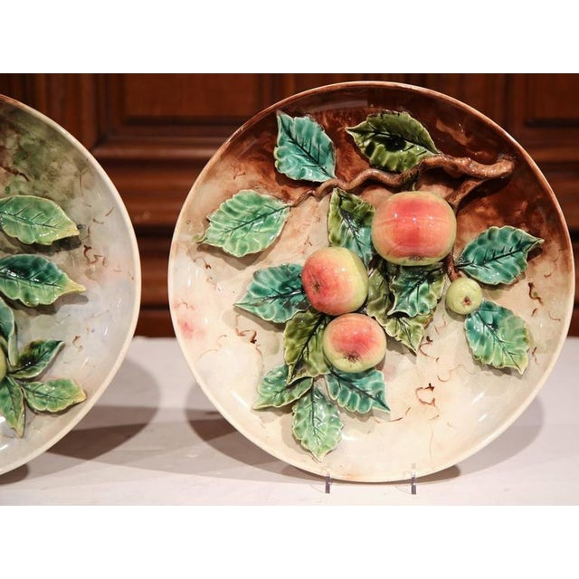 19th Century French Hand-Painted Barbotine Plates With Apples and Pears - A Pair - Image 7 of 10