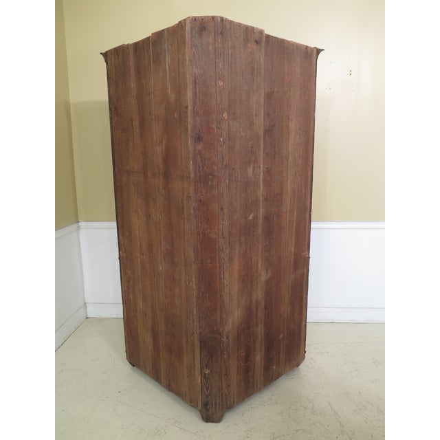 18th Century Antique Virginia Chippendale Walnut Corner Cabinet For Sale - Image 11 of 13