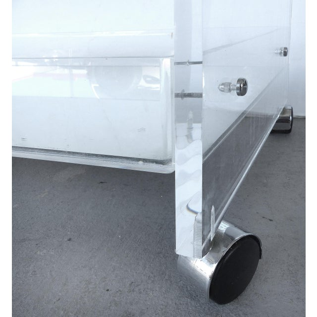 Bi-Level Rolling Lucite Bar Cart with Mirrored Serving Surfaces For Sale In Miami - Image 6 of 7