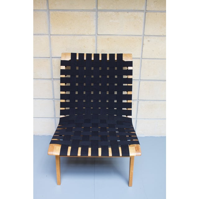 Mid-Century Modern Jens Risom-Style Webbed Chair For Sale - Image 3 of 8