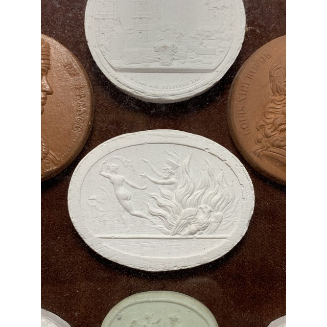 Early 19th Century Arrangement of Grand Tour Plaster Cameos in Velvet Frame For Sale In Los Angeles - Image 6 of 9