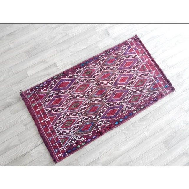 VINTAGE HANDWOVEN OUSHAK RUG YASTIK 19.6'' X 35.8'' / 50x91cm Hand woven with high quality pure wool Excellent condition...