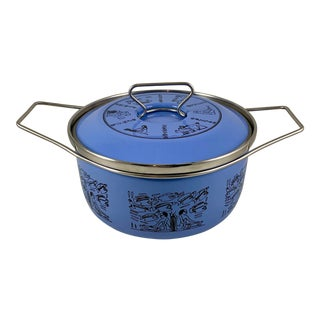Mid-Century Italian Siltal Egyptian Revival Periwinkle Enameled Steel Dutch Oven For Sale