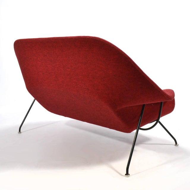 Metal Eero Saarinen Womb Settee Upholstered in Alexander Girard Fabric For Sale - Image 7 of 11