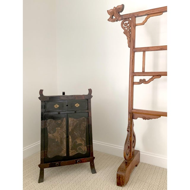 Japanese Traveling Cabinet Oi Edo Period For Sale - Image 11 of 13
