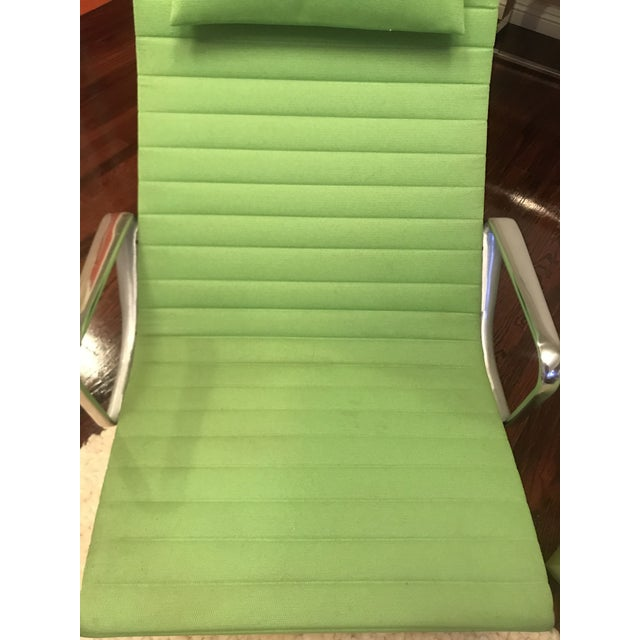 Emerald Eames Aluminum Chair For Sale - Image 8 of 13