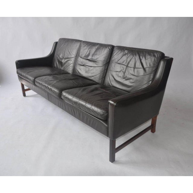 Mid-Century Modern Fredrik Kayser Leather and Rosewood Sofa For Sale - Image 3 of 8