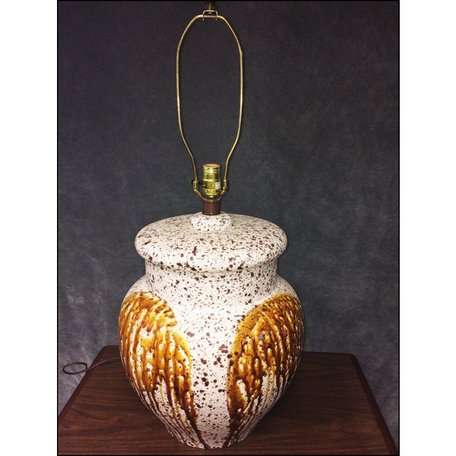 Mid-Century Modern Art Pottery Table Lamp - Image 10 of 11