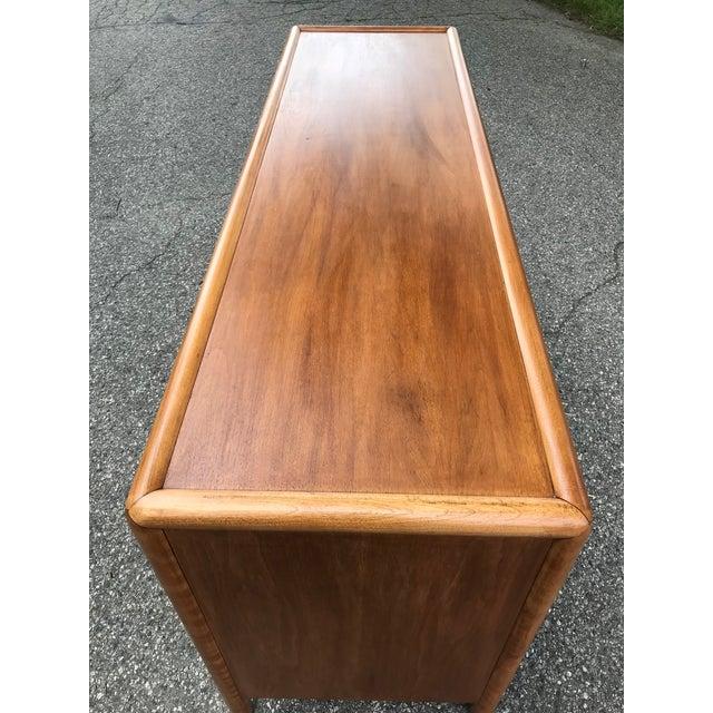 Widdicomb Mid Century Walnut Dresser by Robsjohn Gibbings for Widdicomb For Sale - Image 4 of 7