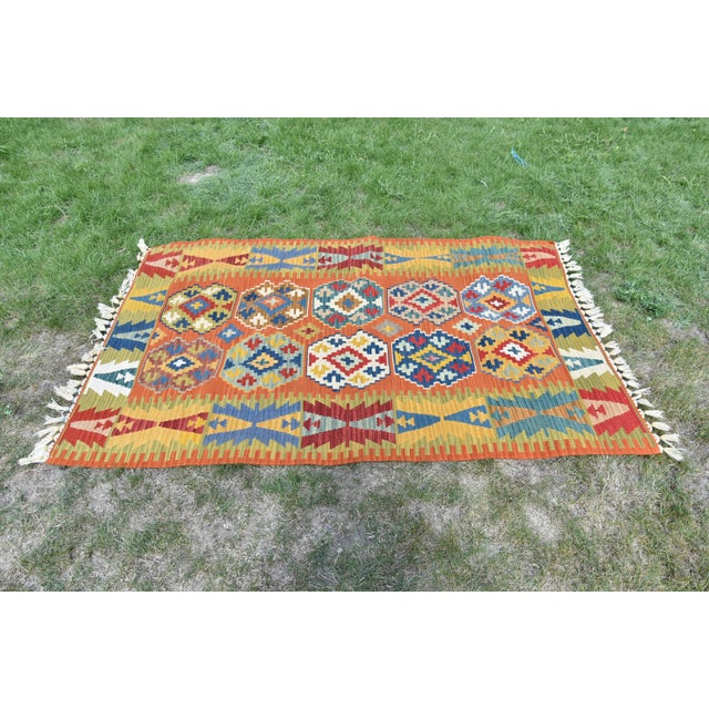 1980s Antique Turkish Anatolian Handmade Decorative Multi Color Kilim Rug - 3′11″ × 5′10″ For Sale - Image 5 of 9