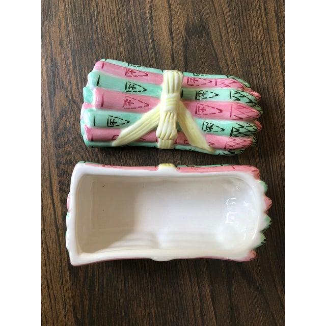 Vintage Metropolitan Museum of Art Ceramic Lidded Asparagus Box For Sale In Charlotte - Image 6 of 13