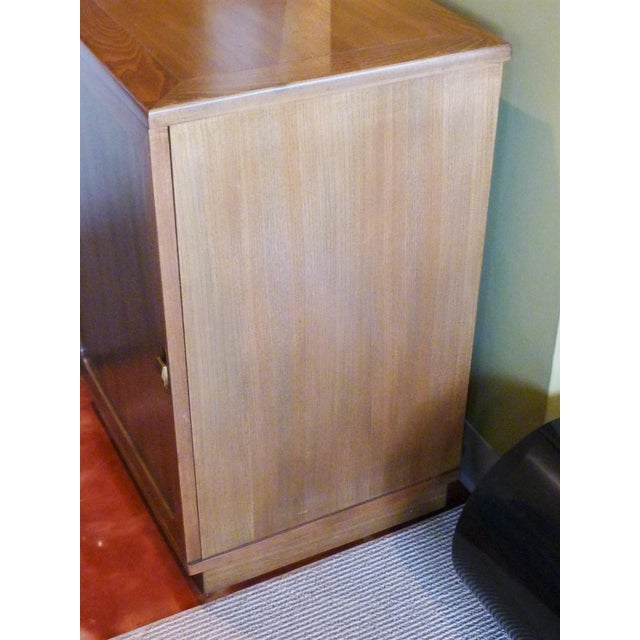 Mid-Century Modern Late 1940s Edward Wornmley for Drexel Precedent Line Silver Elm Dry Bar Cabinet For Sale - Image 3 of 12