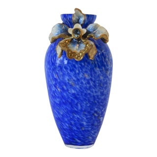 Jay Strongwater Blue White and Gold Art Glass Vase For Sale