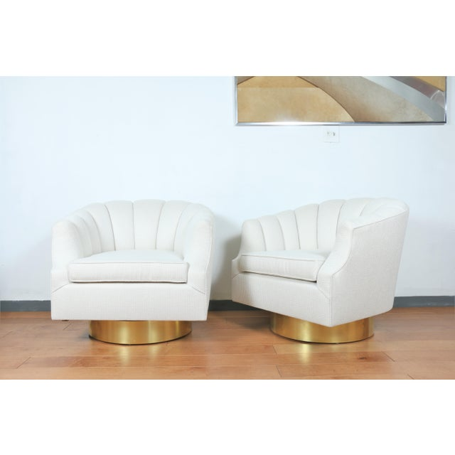 Hollywood Regency Milo Baughman Attributed Pair of Swivel Chairs For Sale - Image 3 of 13
