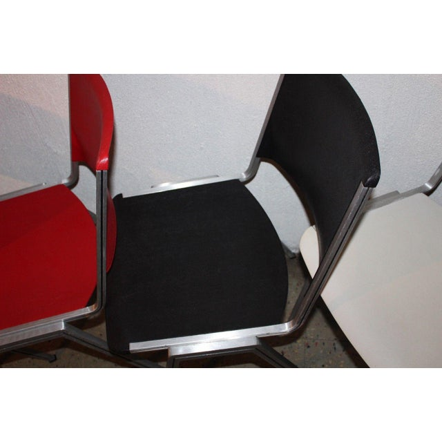 Mid-Century Modern 1960s Mid Century Modern Steelcase Stackable Plastic Backed Chairs - Set of 4 For Sale - Image 3 of 11