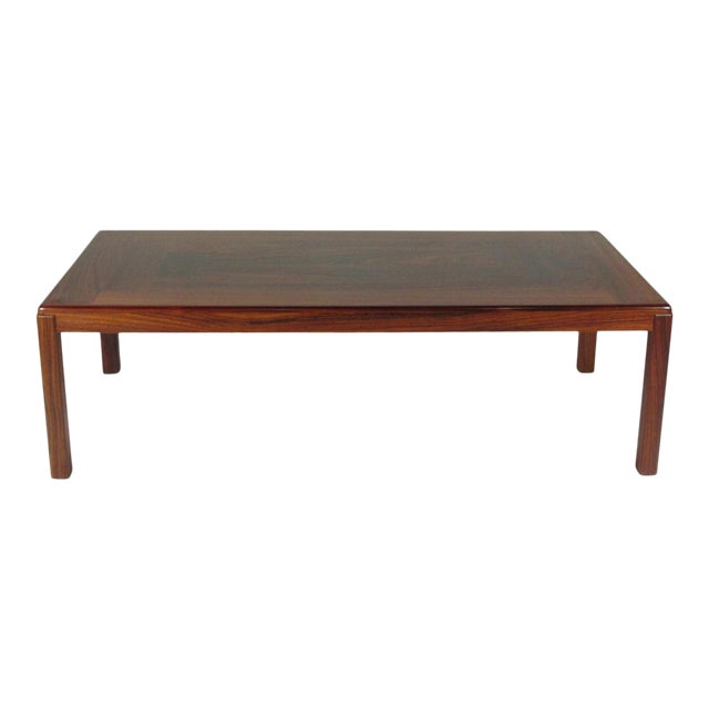 1960s Mid-Century Modern Rosewood Coffee Table For Sale