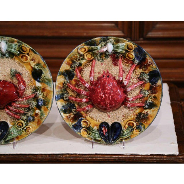 Pair of Mid-20th Century French Barbotine Wall Platters With Crabs From Brittany For Sale - Image 4 of 8