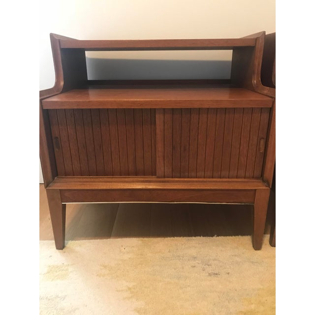 Pair of lovely vintage matching Mid-Century Modern end tables in Very Good condition. Pick-up Only in South Slope, 33rd...