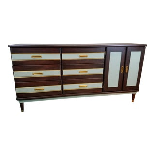 1970s Mid-Century Modern 9-Drawer Dresser For Sale