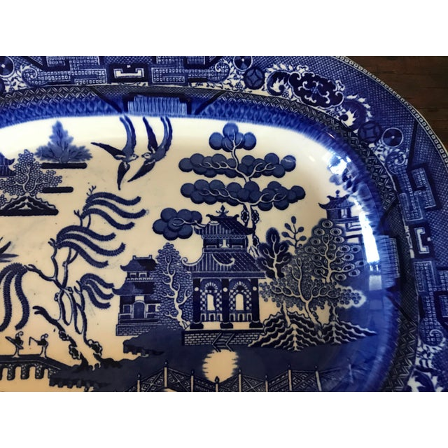 1930s English Flow Blue Willow Large Platter For Sale - Image 4 of 12