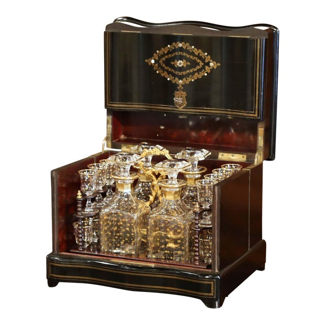 19th Century French Napoleon III Cave a Liqueur With Mother-Of-Pearl Decor For Sale