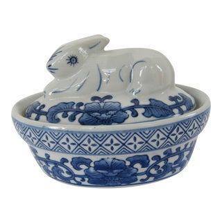 Blue & White Chinoiserie Lidded Box For Sale