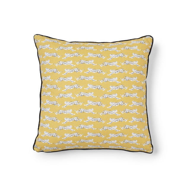 Schumacher Leaping Leopards Pillow in Yellow For Sale In New York - Image 6 of 6