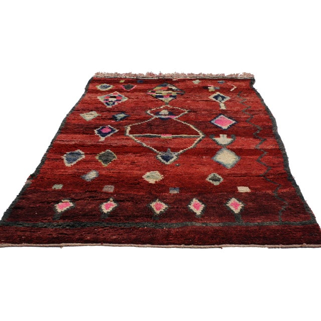 Abstract Boho Chic Berber Moroccan Rug, 5'1x8' For Sale - Image 3 of 3