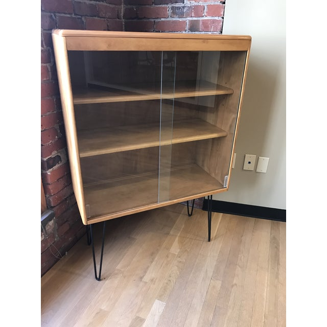 Heywood Wakefield Display Cabinet With Hairpin Legs - Image 2 of 4