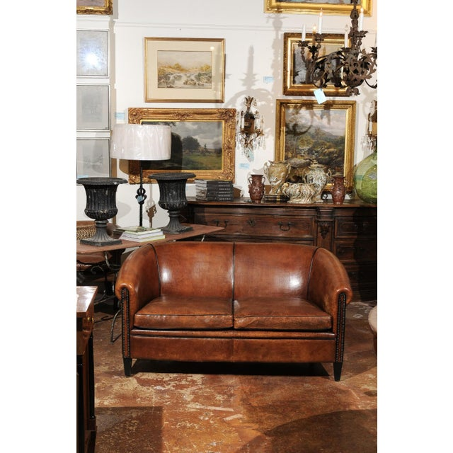 French Turn of the Century Brown Leather Sofa with Nailhead Trim, circa 1900 For Sale In Atlanta - Image 6 of 12
