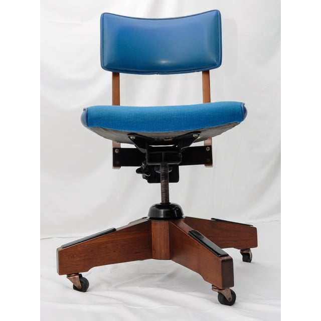 Mid-Century Gunlocke Office Chair For Sale In Detroit - Image 6 of 11