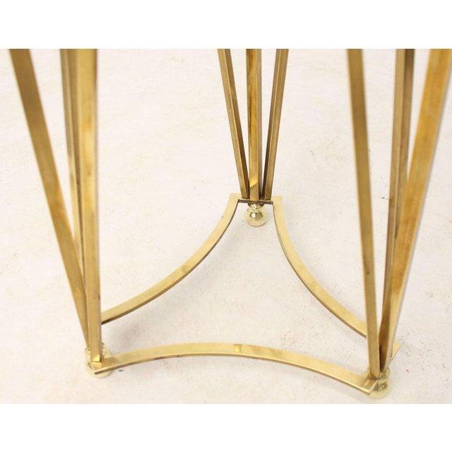 Tommi Parzinger Mid-Century Modern Tall Braised Brass Plant Holder Pedestal For Sale - Image 4 of 9