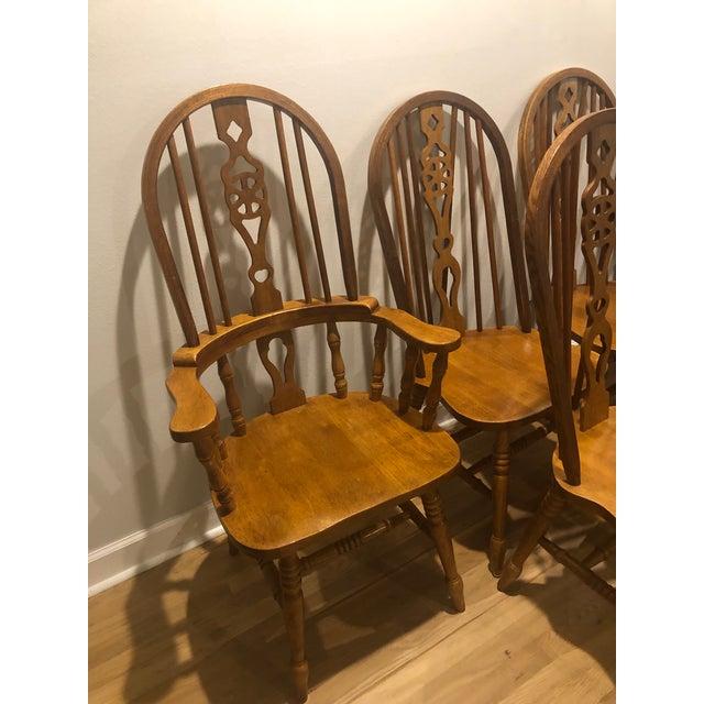 1990s Vintage Oak Wheel Back Windsor Dining Chairs - Set of 8 For Sale - Image 5 of 13