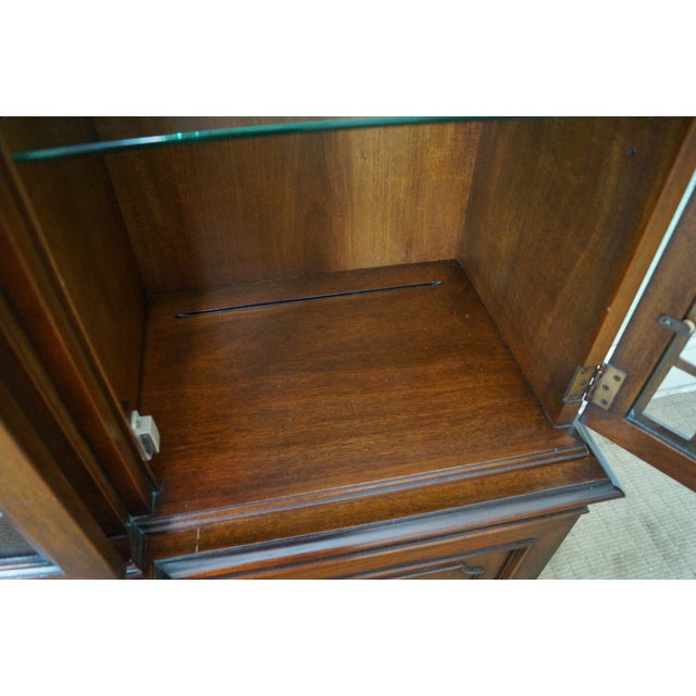 Kindel Mahogany Chippendale Style China Cabinet - Image 10 of 10