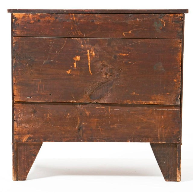 19th Century Mahogany Federal Style Bow Front Chest of Drawers For Sale - Image 4 of 6